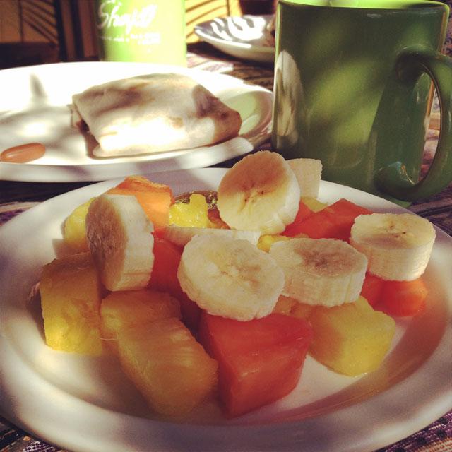 Vegan breakfast at Hostel Shakti