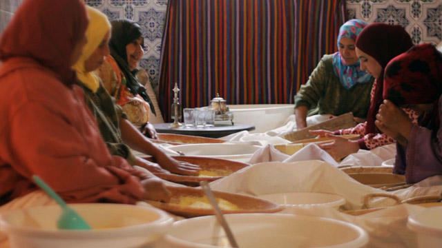 Women preparing couscous for Looly's Pearls