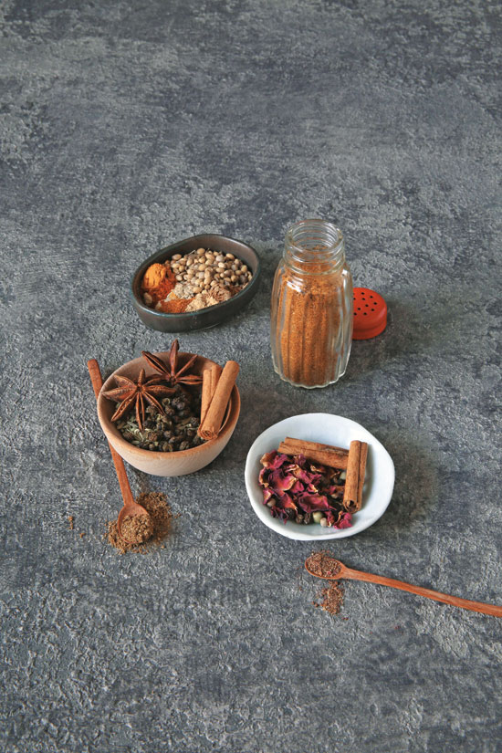 Image of Ras el Hanout spice mix from Bold Flavored Vegan Kitchen